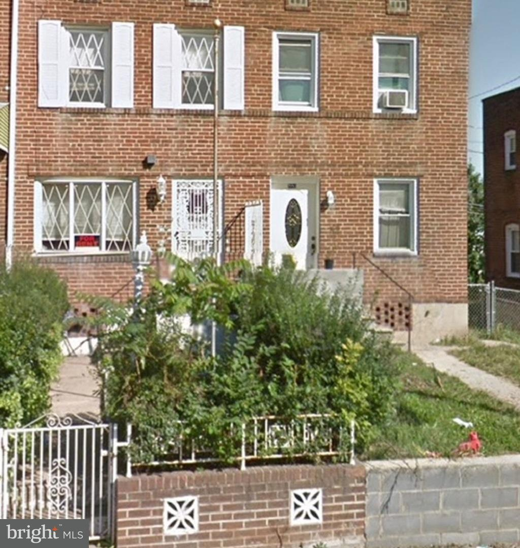 Single Family for Sale at 2751 Bookert Dr Baltimore, Maryland 21225 United States