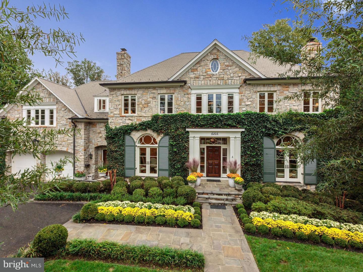 Single Family for Sale at 6205 Kennedy Dr Chevy Chase, Maryland 20815 United States