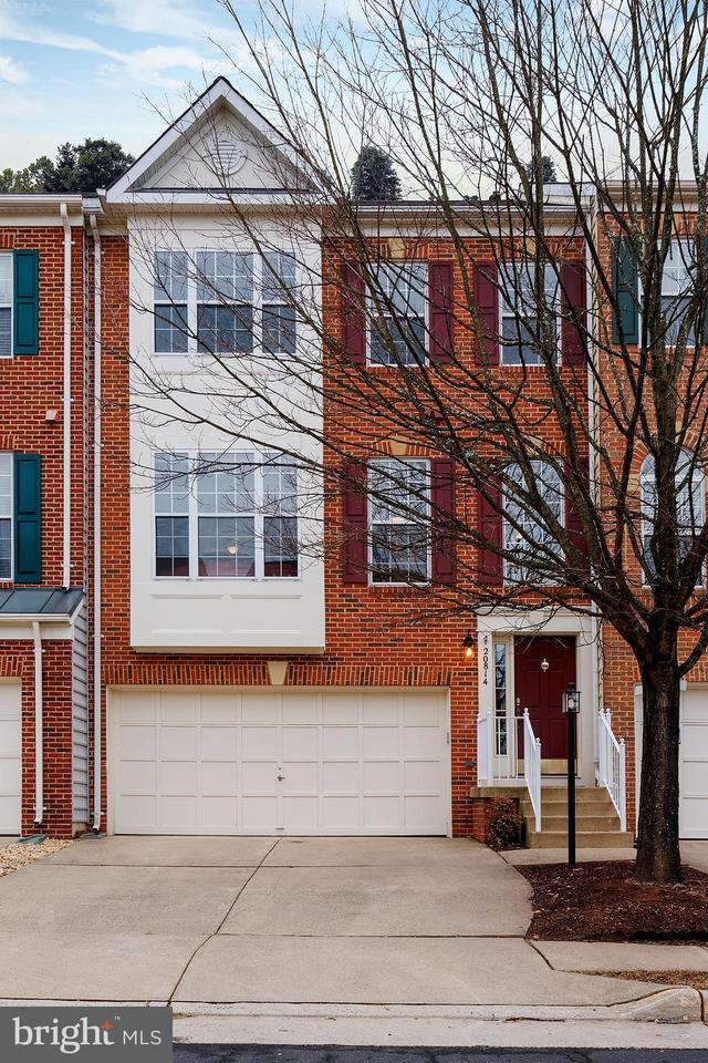 Maison accolée pour l Vente à 20814 Miranda Falls Sq 20814 Miranda Falls Sq Sterling, Virginia 20165 États-Unis