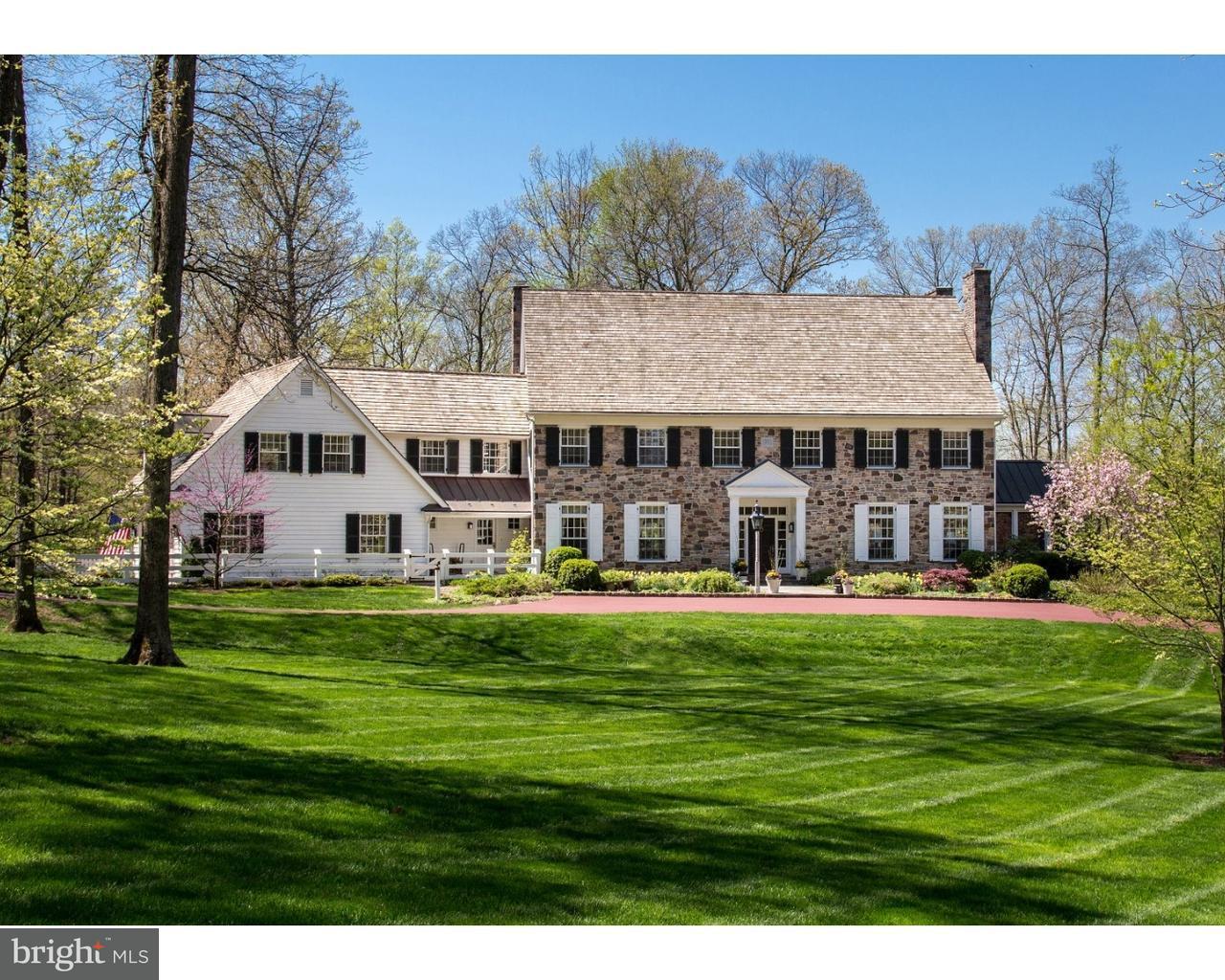 Maison unifamiliale pour l Vente à 8 ROUND HILL Road Newtown, Pennsylvanie 18940 États-Unis