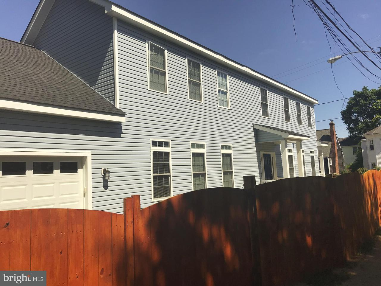 Additional photo for property listing at 303 Canal Street 303 Canal Street Fredericksburg, Virginia 22401 Verenigde Staten