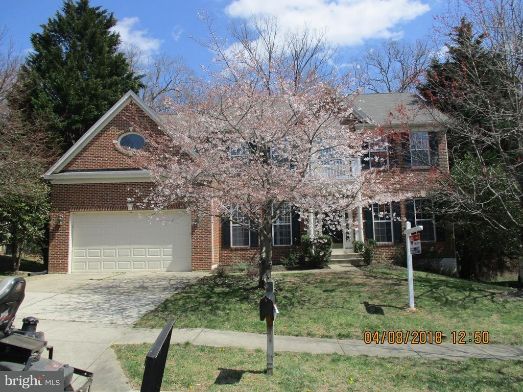 Single Family for Sale at 6407 Wood Pointe Dr Glenn Dale, Maryland 20769 United States