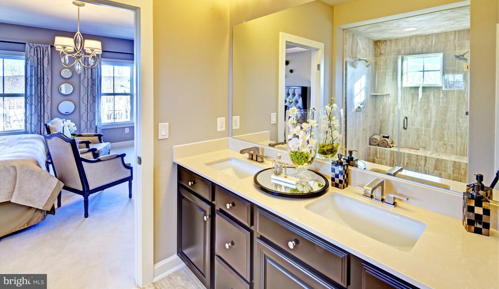Additional photo for property listing at 5203 South Center Drive 5203 South Center Drive Greenbelt, Μεριλαντ 20770 Ηνωμενεσ Πολιτειεσ