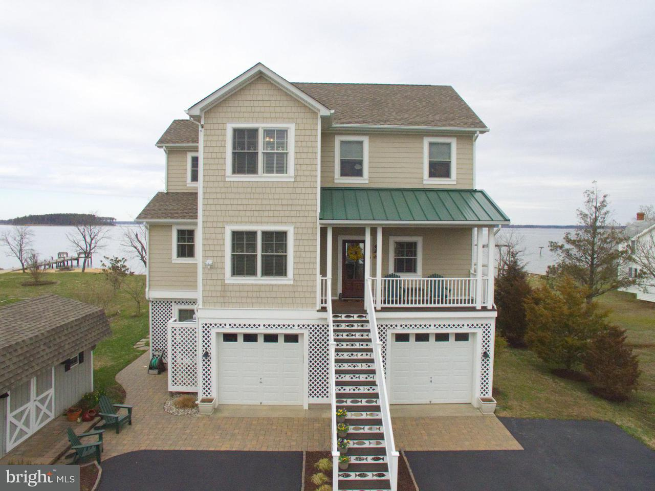 Casa Unifamiliar por un Venta en 16440 Ball Point Road 16440 Ball Point Road Piney Point, Maryland 20674 Estados Unidos