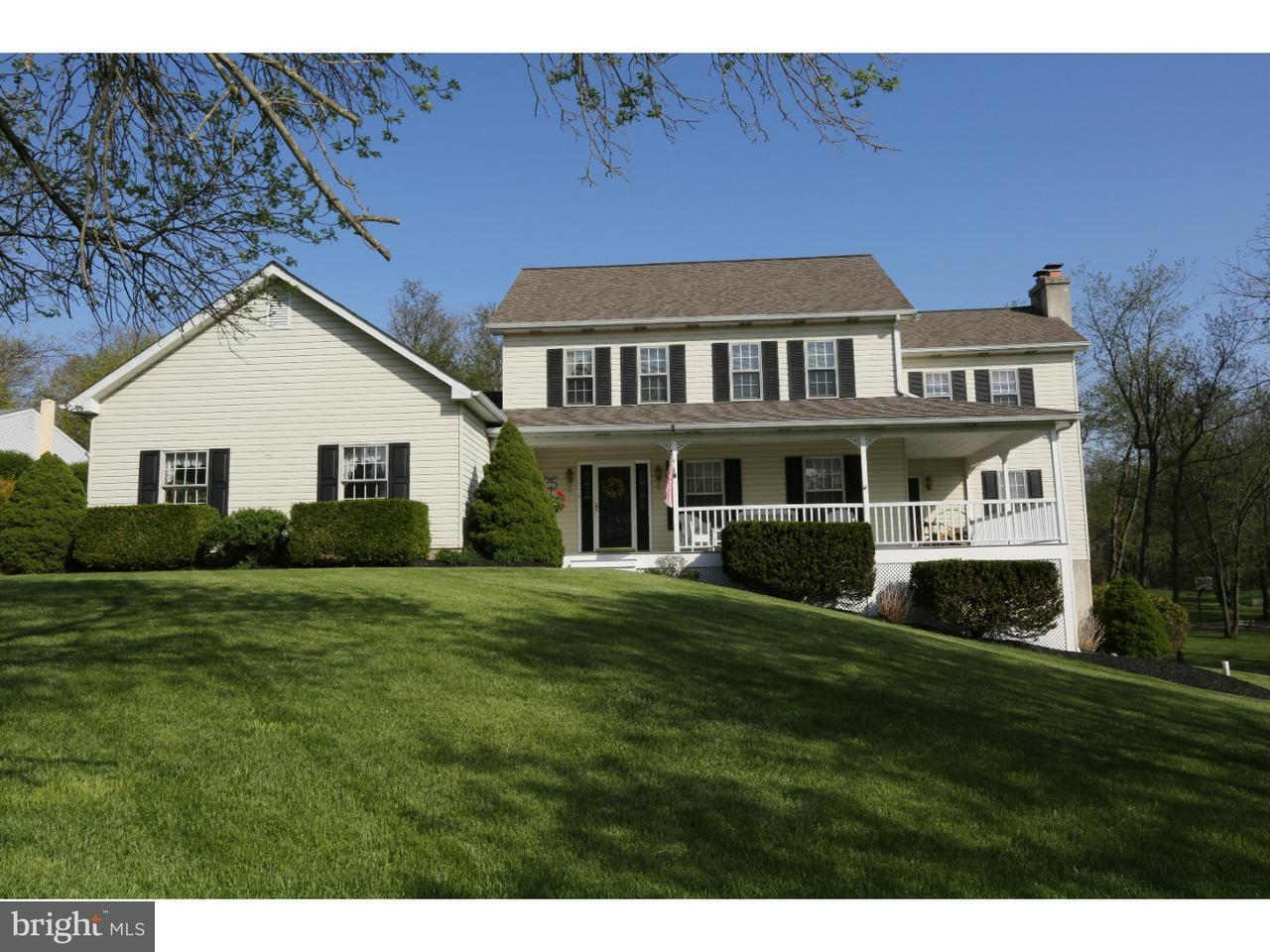 独户住宅 为 销售 在 512 FRUIT FARM Road Royersford, 宾夕法尼亚州 19468 美国