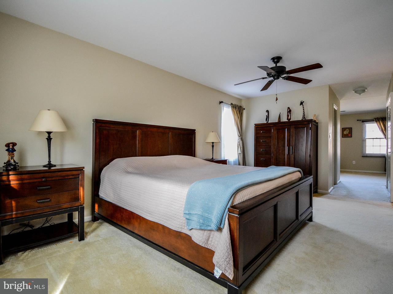 Additional photo for property listing at 11809 Grey Birch Place 11809 Grey Birch Place Reston, Virginia 20191 Estados Unidos