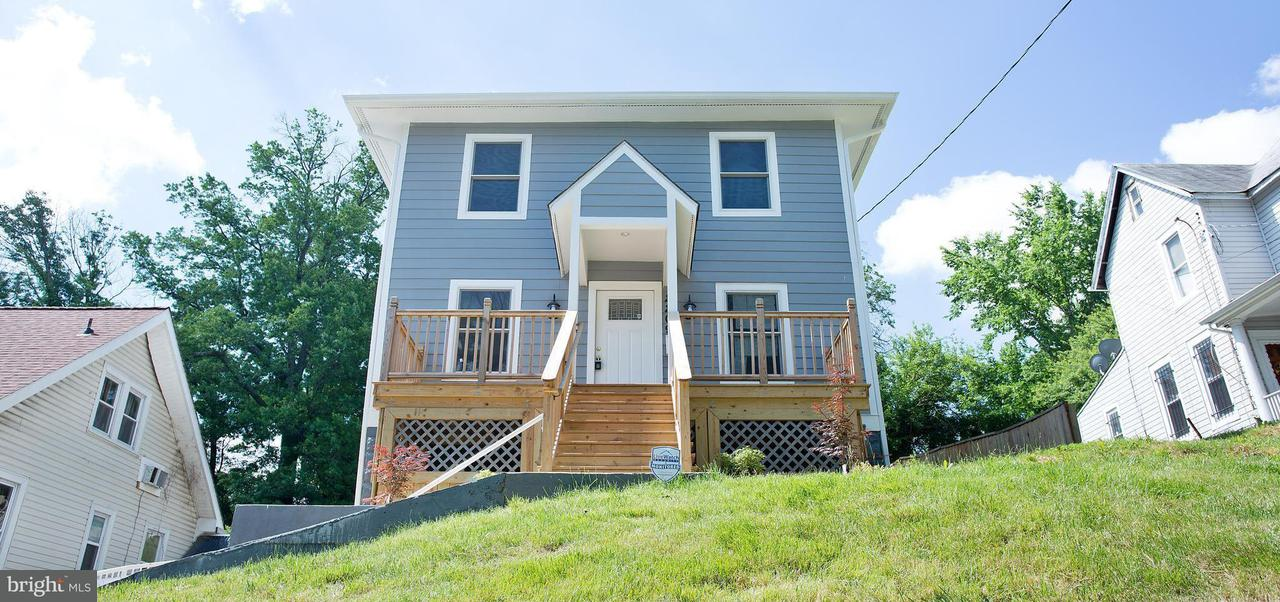 Single Family for Sale at 2209 Franklin St NE Washington, District Of Columbia 20018 United States
