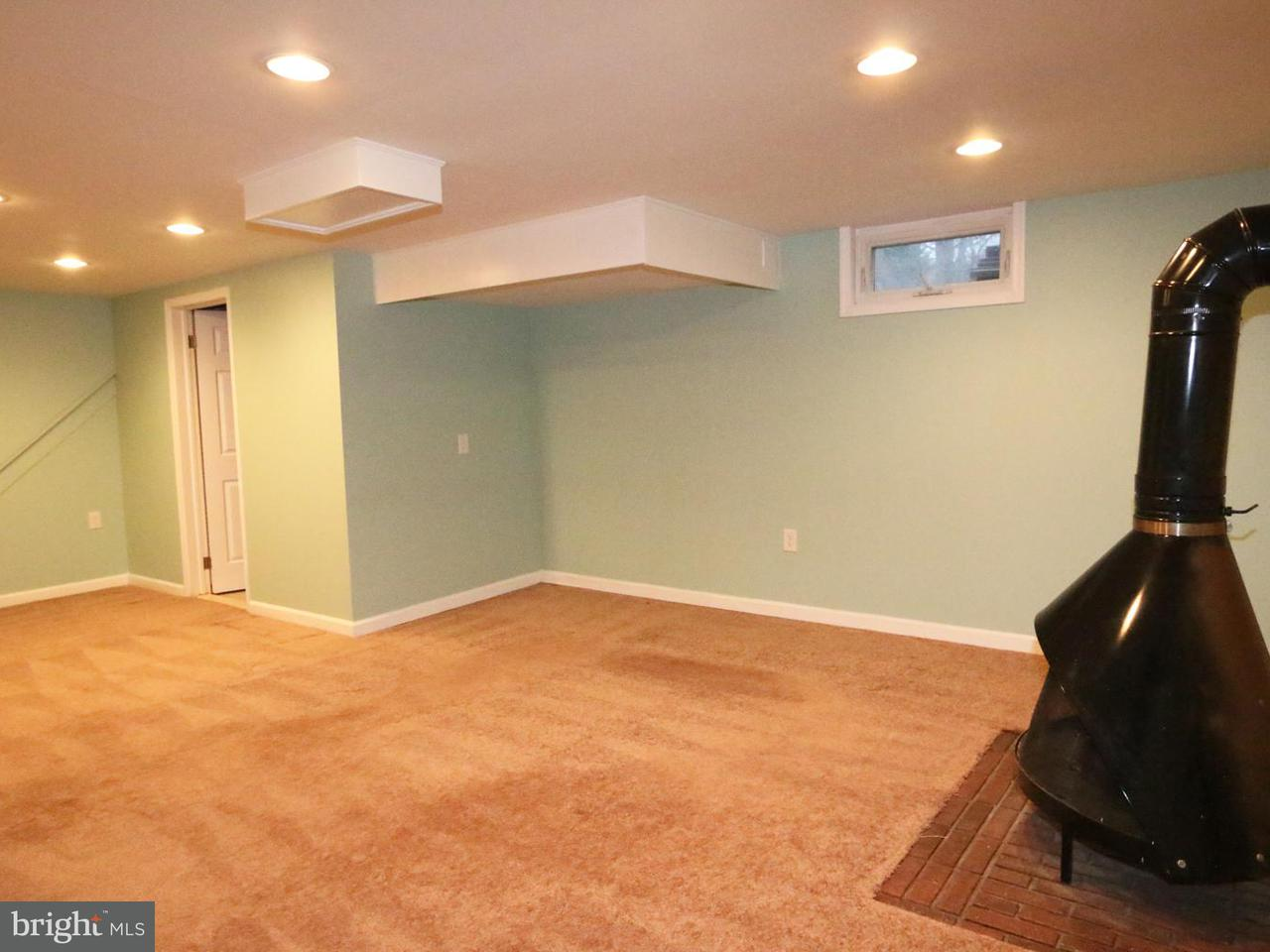 Additional photo for property listing at 10003 Duncan Street 10003 Duncan Street Fairfax, Virginia 22031 Stati Uniti
