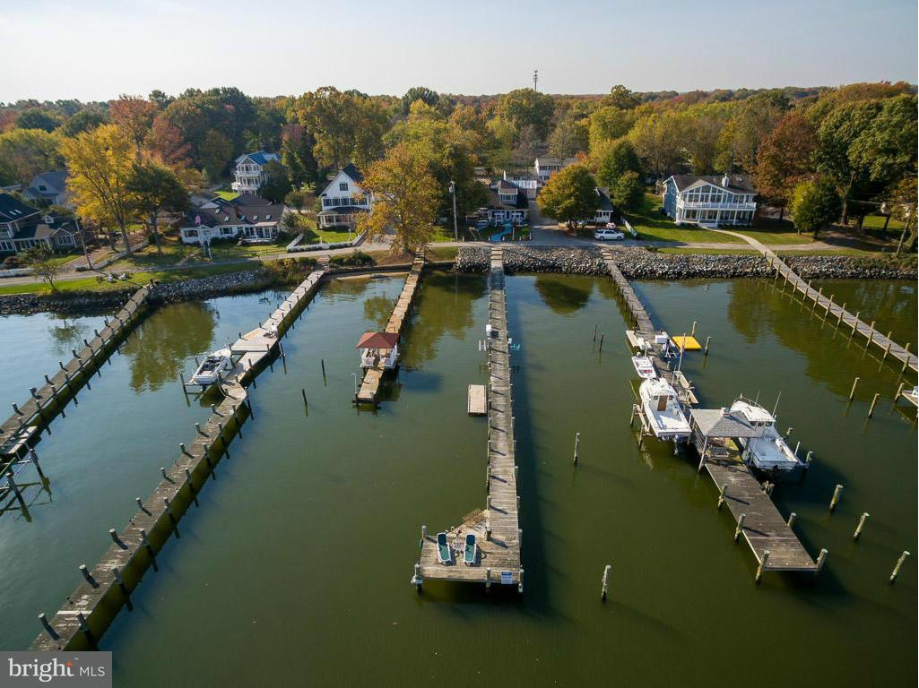Single Family Home for Sale at 1005 Back Bay Beach Road 1005 Back Bay Beach Road West River, Maryland 20778 United States