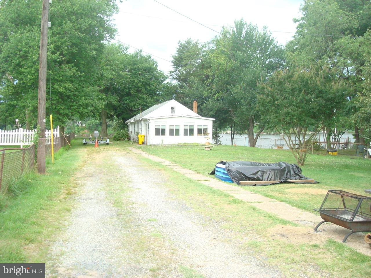 Single Family for Sale at 114 Greenland Beach Rd Curtis Bay, Maryland 21226 United States