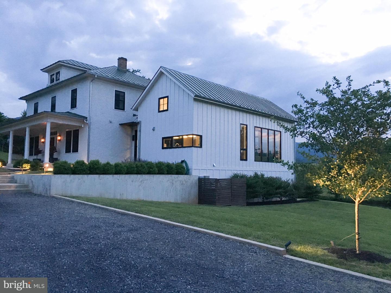 Farm for Sale at 761 Fodderstack Rd Flint Hill, Virginia 22627 United States