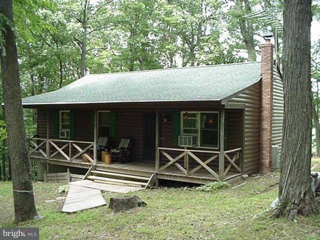 Single Family for Sale at 335 Short Mountain Village Dr Rio, West Virginia 26755 United States
