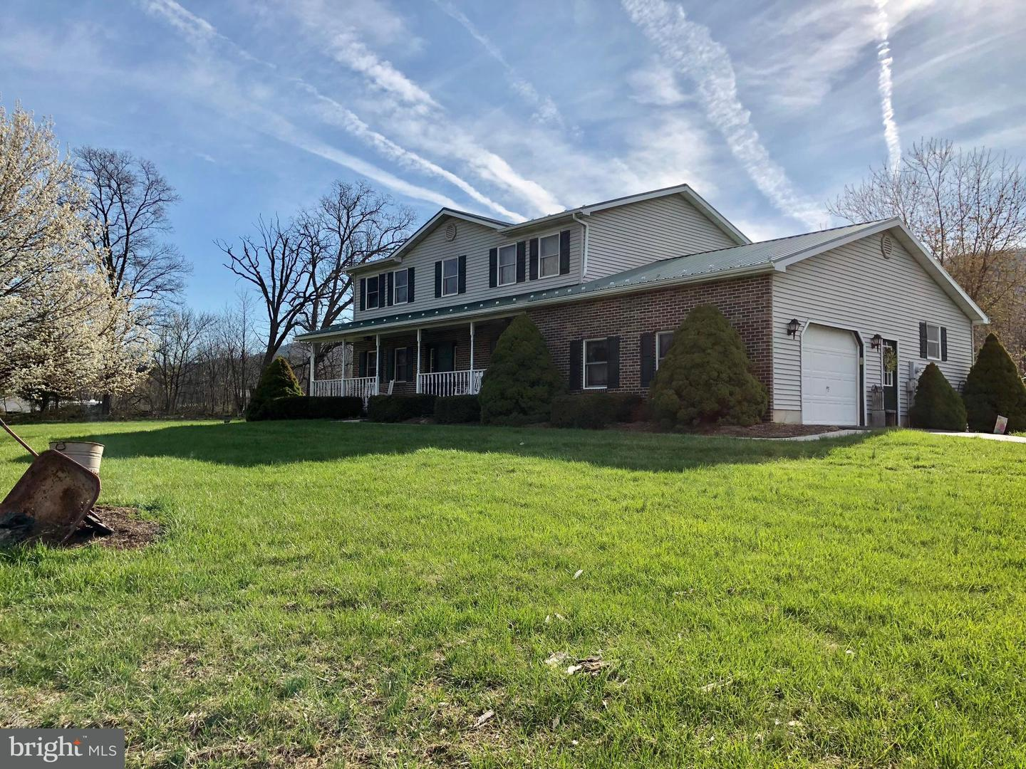 Single Family for Sale at 22460 Great Cove Rd Mc Connellsburg, Pennsylvania 17233 United States