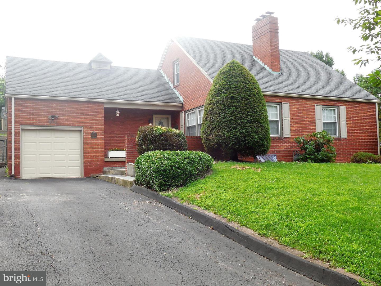 Single Family for Sale at 900 Louisiana Ave Cumberland, Maryland 21502 United States