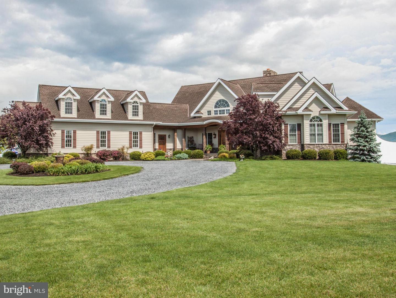 Single Family for Sale at 1809 Polk Rd Edinburg, Virginia 22824 United States