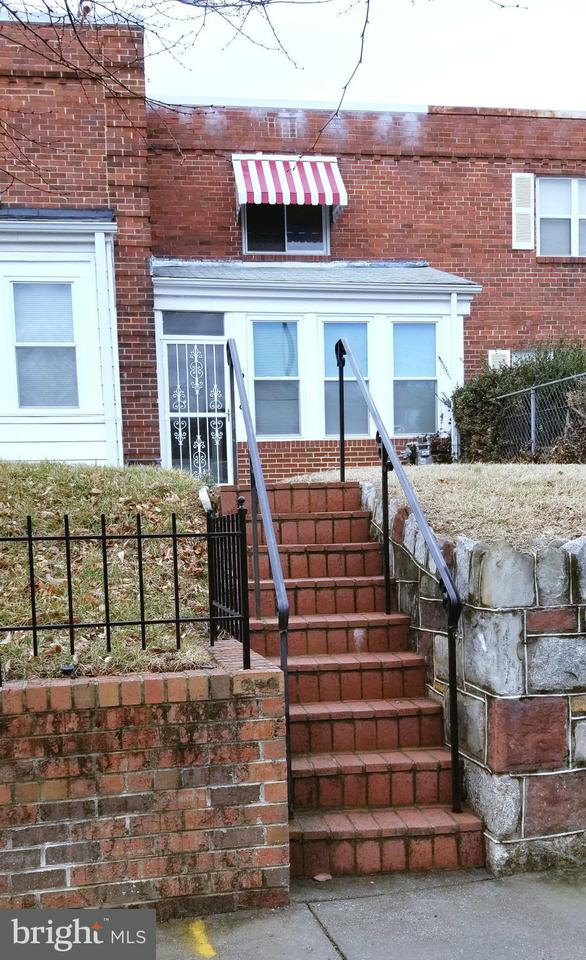 Single Family for Sale at 258 33rd St NE Washington, District Of Columbia 20019 United States