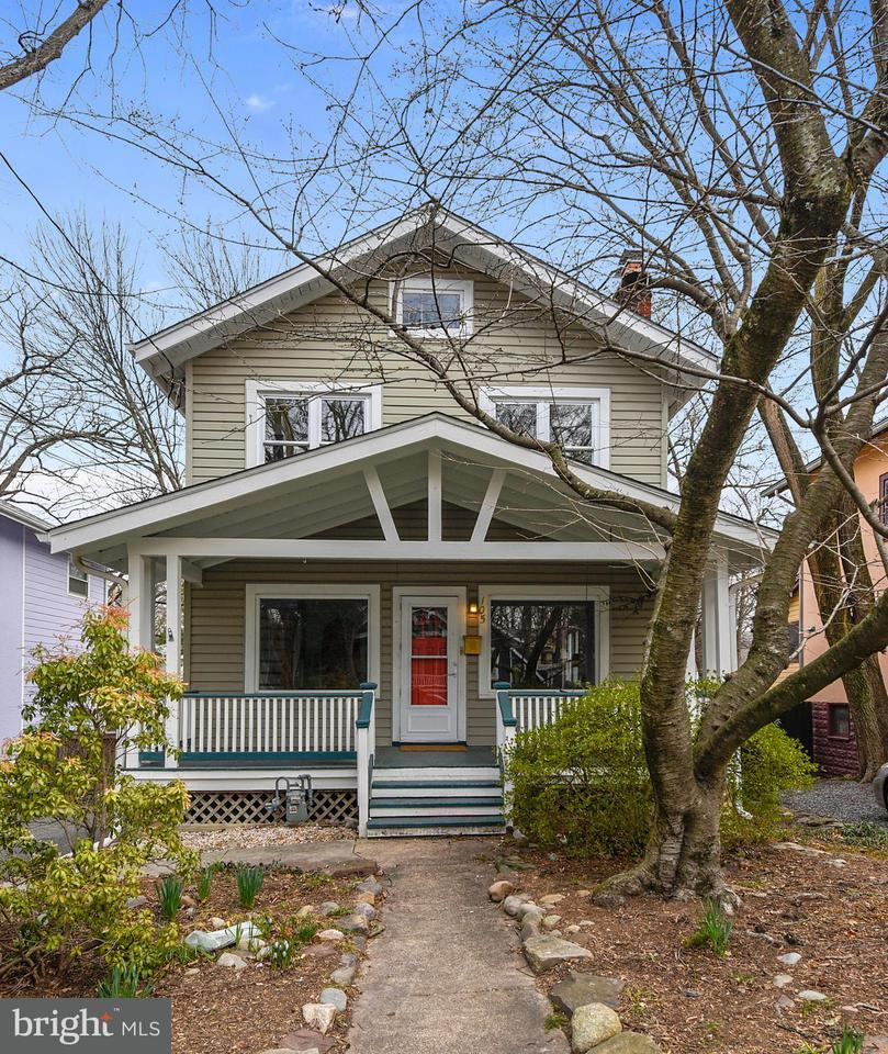 Single Family Home for Sale at 105 Grant Avenue 105 Grant Avenue Takoma Park, Maryland 20912 United States
