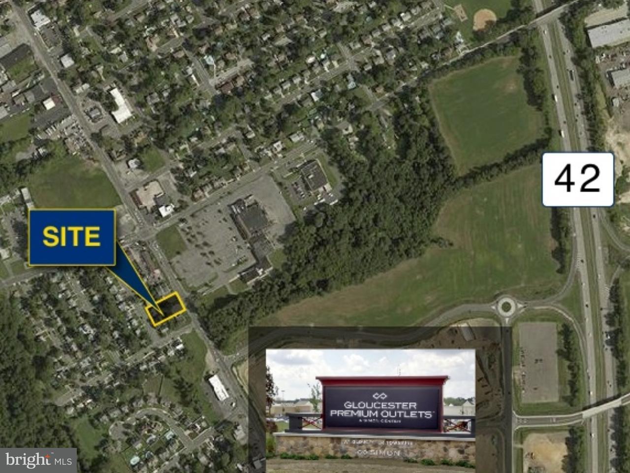 Частный односемейный дом для того Продажа на 720 S BLACK HORSE PIKE Gloucester, Нью-Джерси 08012 Соединенные Штаты
