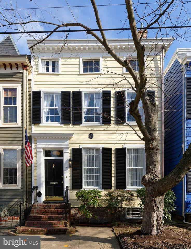 Townhouse for Sale at 422 Fairfax St S 422 Fairfax St S Alexandria, Virginia 22314 United States