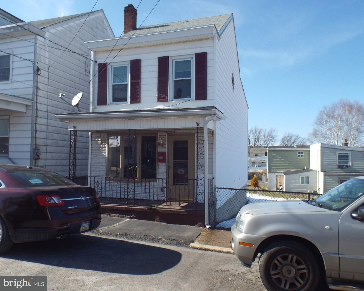 独户住宅 为 销售 在 412 POTTSVILLE Street Minersville, 宾夕法尼亚州 17954 美国