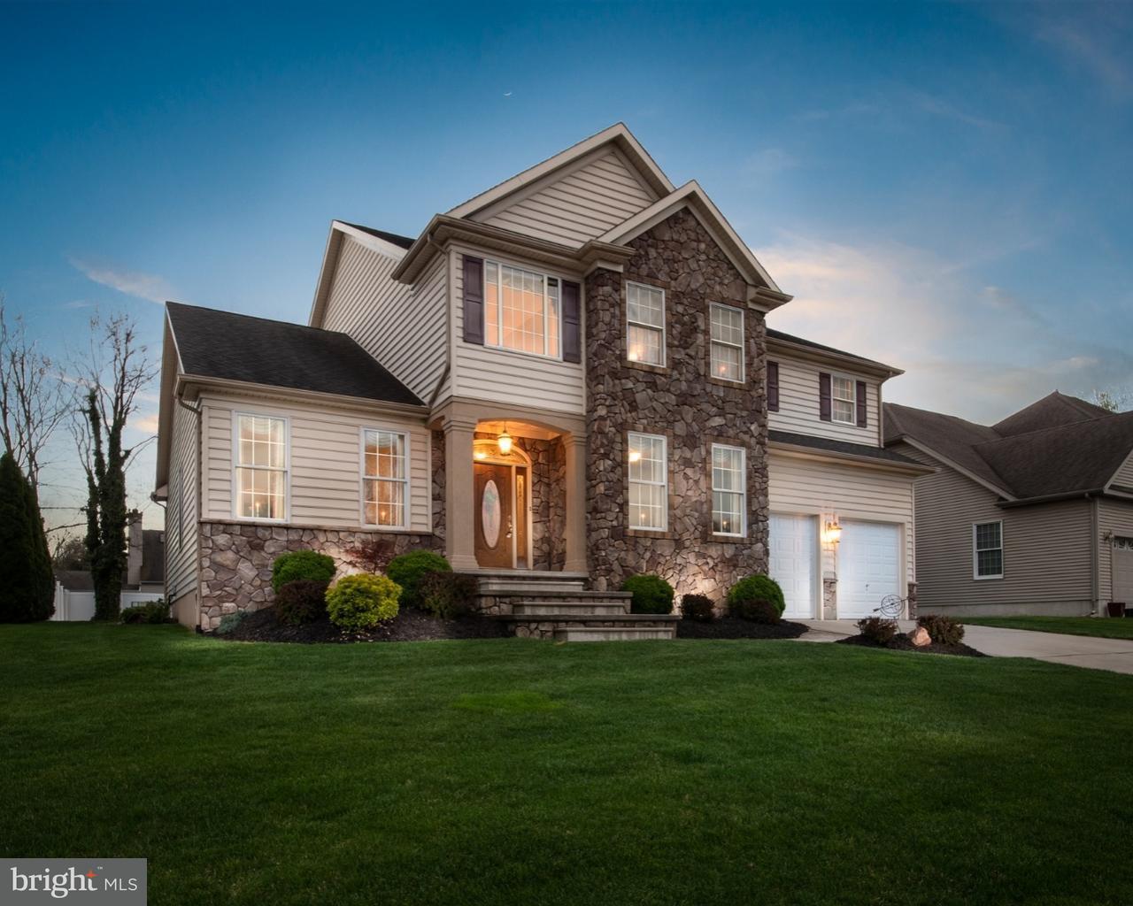 Частный односемейный дом для того Продажа на 7 SAINT JAMES Court Gloucester, Нью-Джерси 08012 Соединенные Штаты