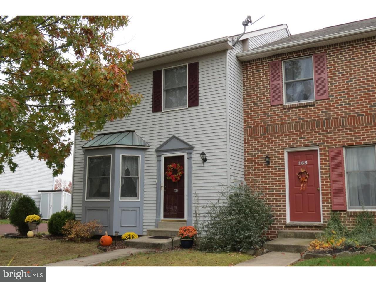 Maison accolée pour l Vente à 165 WINDING WAY Telford, Pennsylvanie 18969 États-Unis
