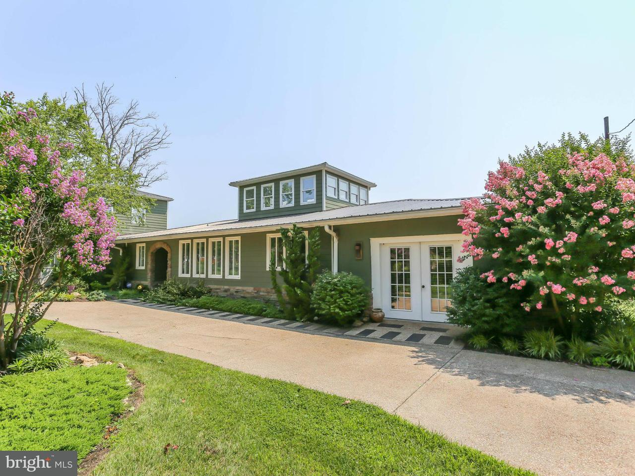 Single Family for Sale at 801 Washington Ave Colonial Beach, Virginia 22443 United States