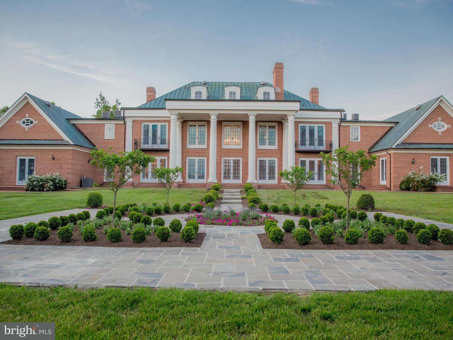Additional photo for property listing at 834 Kentland Ln  Berryville, Virginia 22611 United States