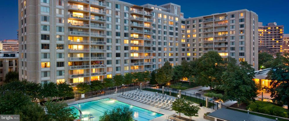 Additional photo for property listing at 1600 S Eads St #001/1  Arlington, Virginia 22202 United States