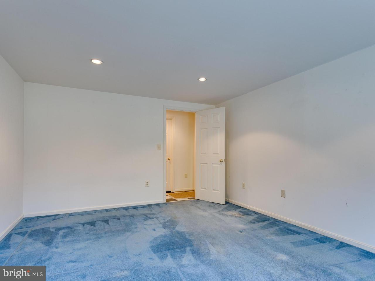 Additional photo for property listing at 2271 Providence Street 2271 Providence Street Falls Church, Virginia 22043 Verenigde Staten