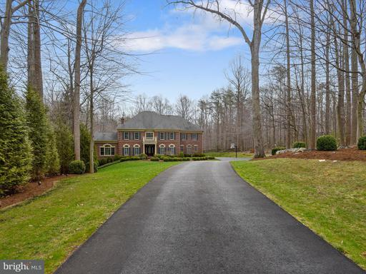 Property for sale at 7059 Balmoral Forest Rd, Clifton,  VA 20124