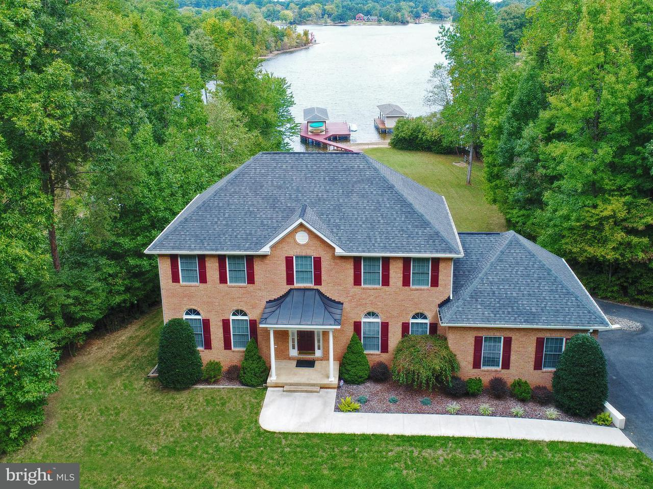 Single Family Home for Sale at 329 Busbees Point Road 329 Busbees Point Road Bumpass, Virginia 23024 United States