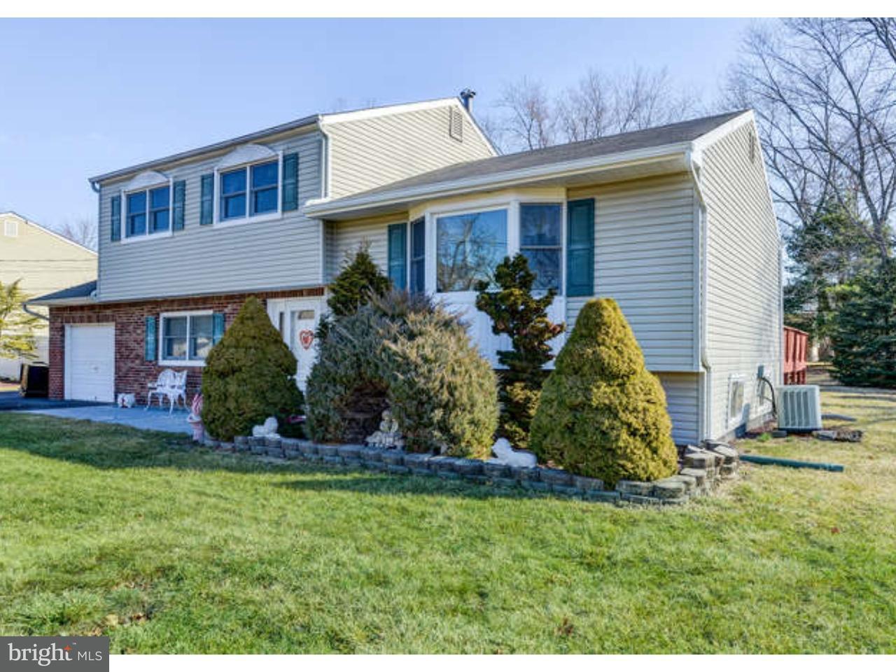 Casa Unifamiliar por un Venta en 9 WHITMAN BLVD Manalapan, Nueva Jersey 07726 Estados Unidos