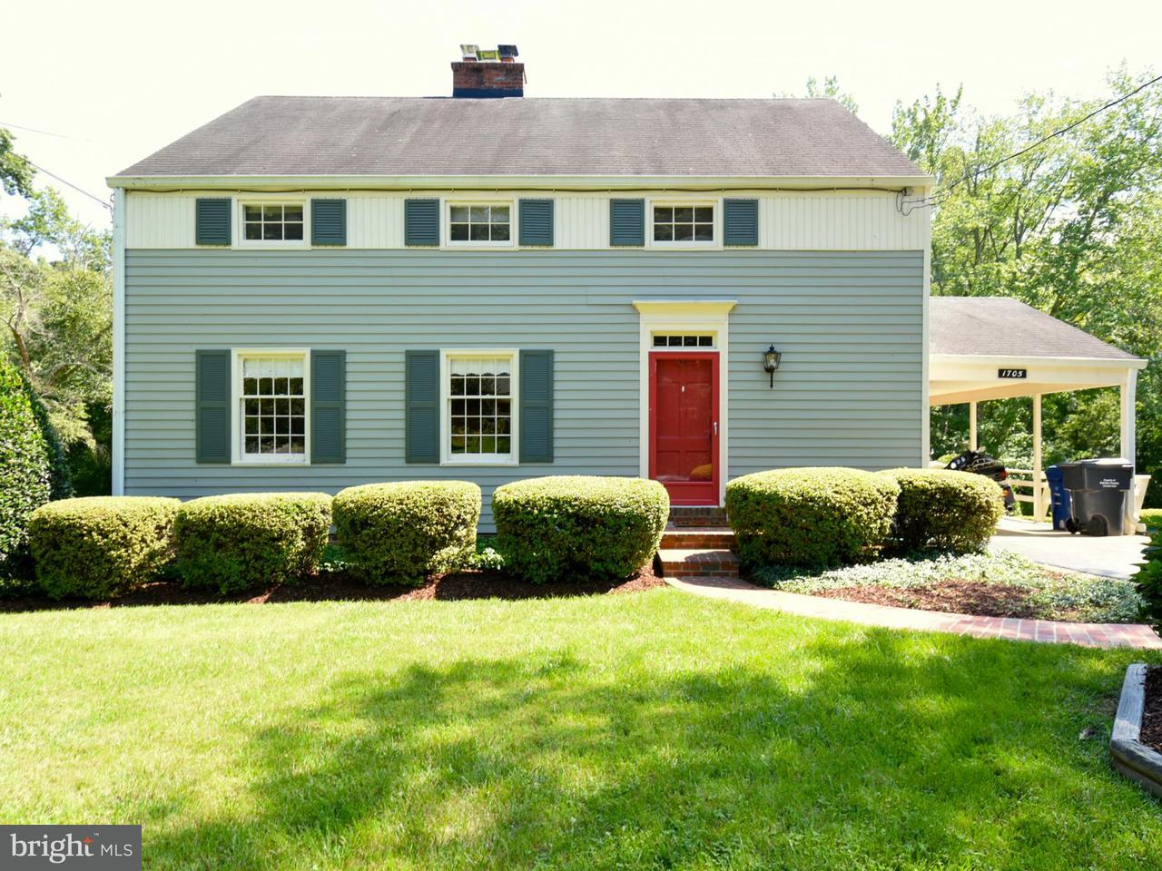 Single Family Home for Sale at 1705 Courtland Road 1705 Courtland Road Alexandria, Virginia 22306 United States