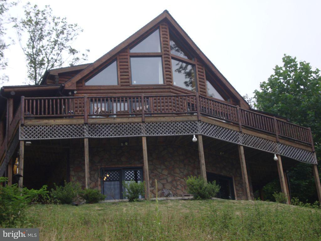 独户住宅 为 销售 在 430 High Rock 430 High Rock Mathias, 西弗吉尼亚州 26812 美国
