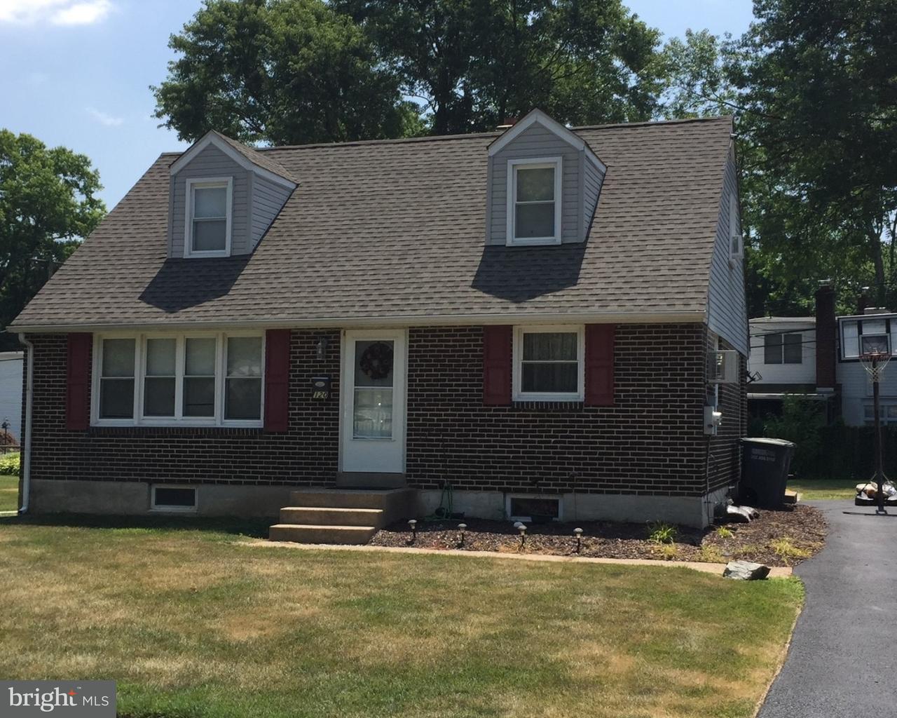 Частный односемейный дом для того Аренда на 120 DEVONSHIRE Road Wilmington, Делавэр 19803 Соединенные Штаты