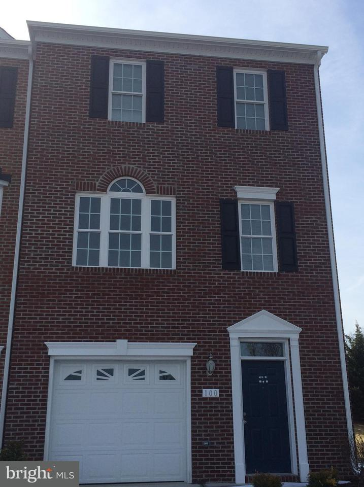 Other Residential for Rent at 100 Cross Keys Pl Stephens City, Virginia 22655 United States