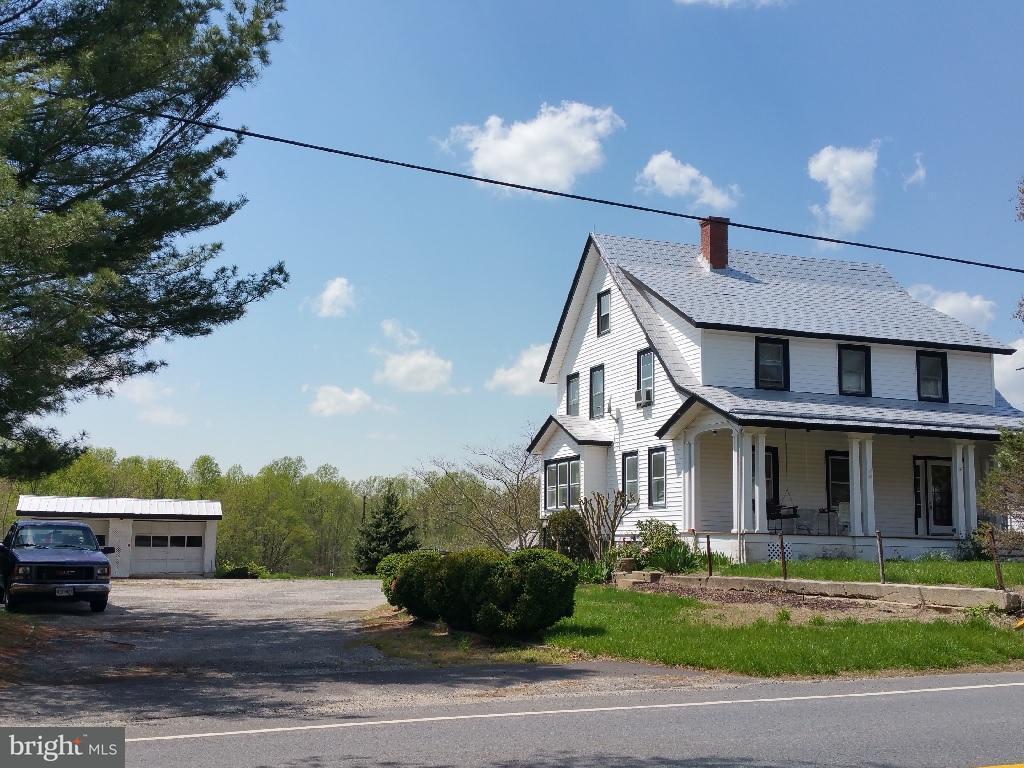 Vivienda unifamiliar por un Venta en 4110 Old Town Road 4110 Old Town Road Huntingtown, Maryland 20639 Estados Unidos