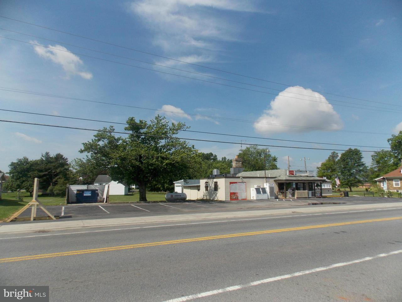 商用 为 销售 在 454 Baltimore Street 454 Baltimore Street Taneytown, 马里兰州 21787 美国