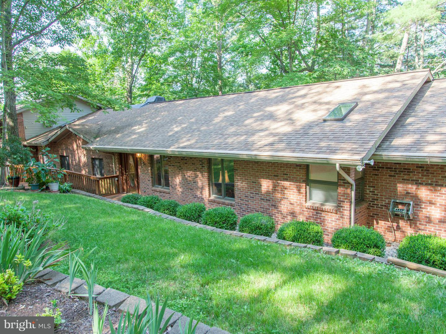 Single Family for Sale at 1714 Kinderhook Rd Hood, Virginia 22723 United States