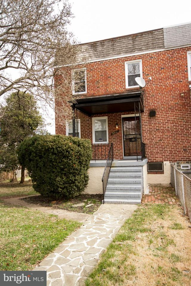 Single Family for Sale at 2611 Mount Holly St Baltimore, Maryland 21216 United States