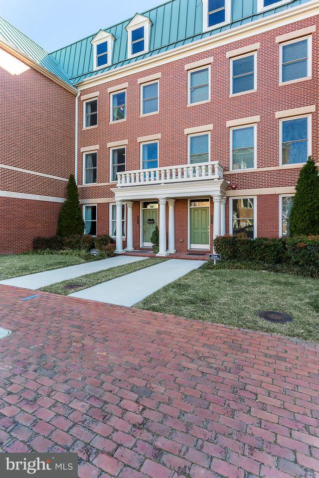 Single Family for Sale at 2313 Main Line Blvd Alexandria, Virginia 22301 United States