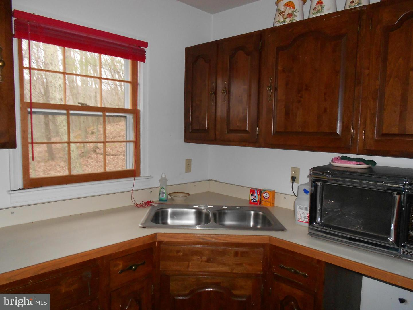 Additional photo for property listing at 21 Cedarwood Dr  Mathias, West Virginia 26812 United States