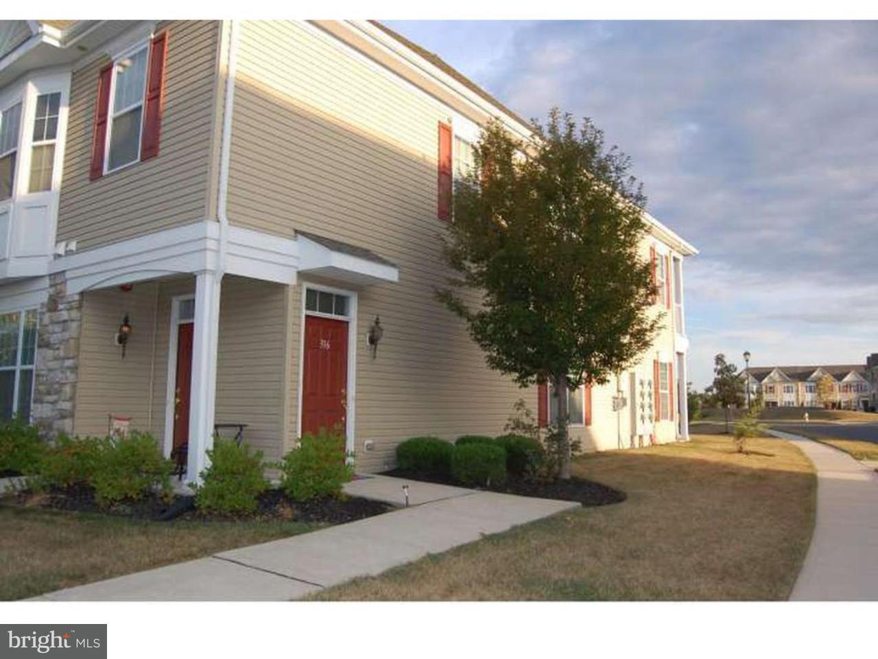 Casa unifamiliar adosada (Townhouse) por un Alquiler en 316 RAPHAEL Court Williamstown, Nueva Jersey 08094 Estados UnidosEn/Alrededor: Monroe Township