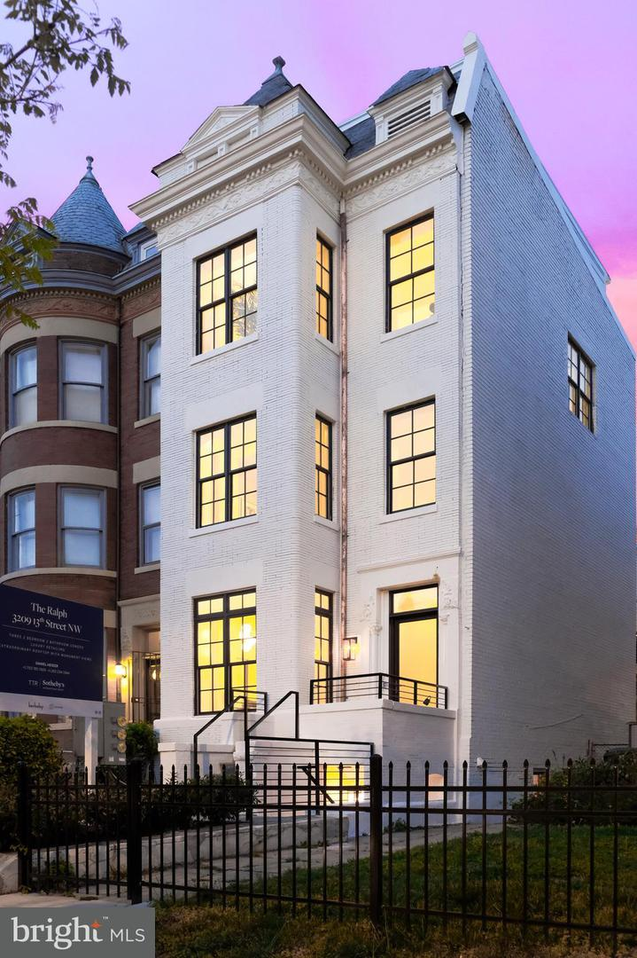 Single Family for Sale at 3209 13th St NW #201 Washington, District Of Columbia 20010 United States