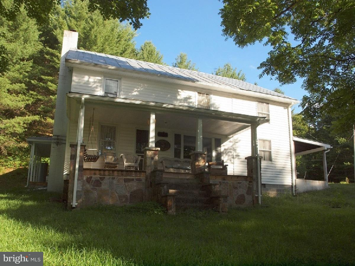 Single Family for Sale at 943 Greenwood Drive Franklin, West Virginia 26807 United States