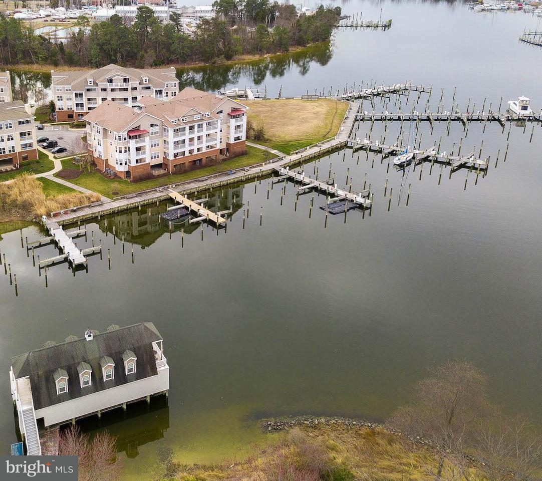 Частный односемейный дом для того Продажа на 612 Oyster Bay Pl #202 612 Oyster Bay Pl #202 Dowell, Мэриленд 20629 Соединенные Штаты