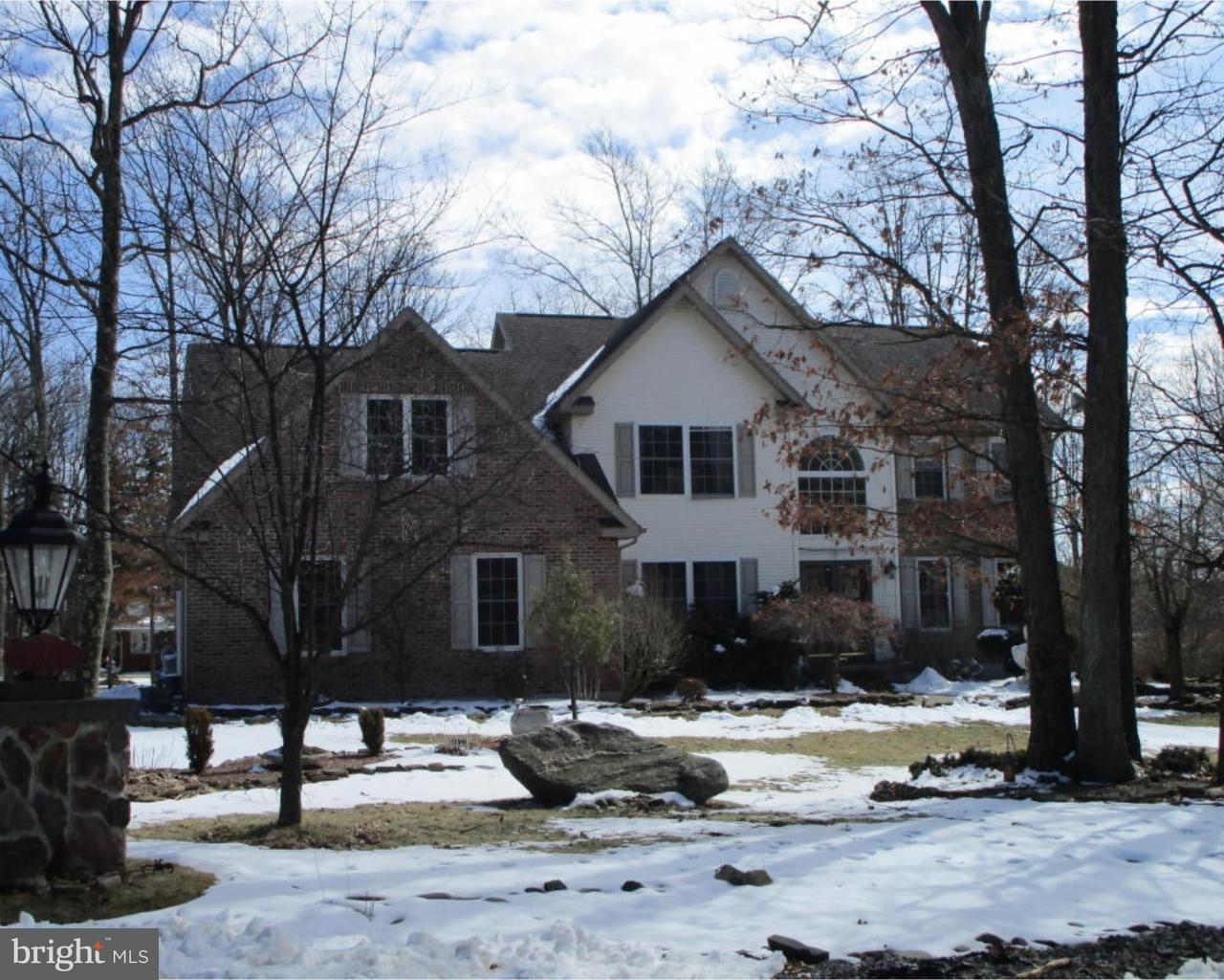 Eensgezinswoning voor Verkoop op 1 COLONY Drive Hazleton, Pennsylvania 18202 Verenigde Staten