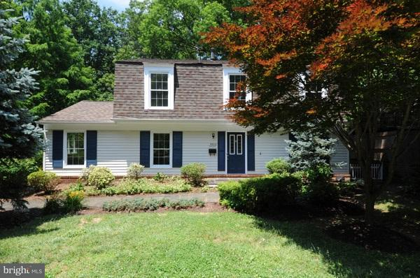 Other Residential for Rent at 9822 Hill St Kensington, Maryland 20895 United States