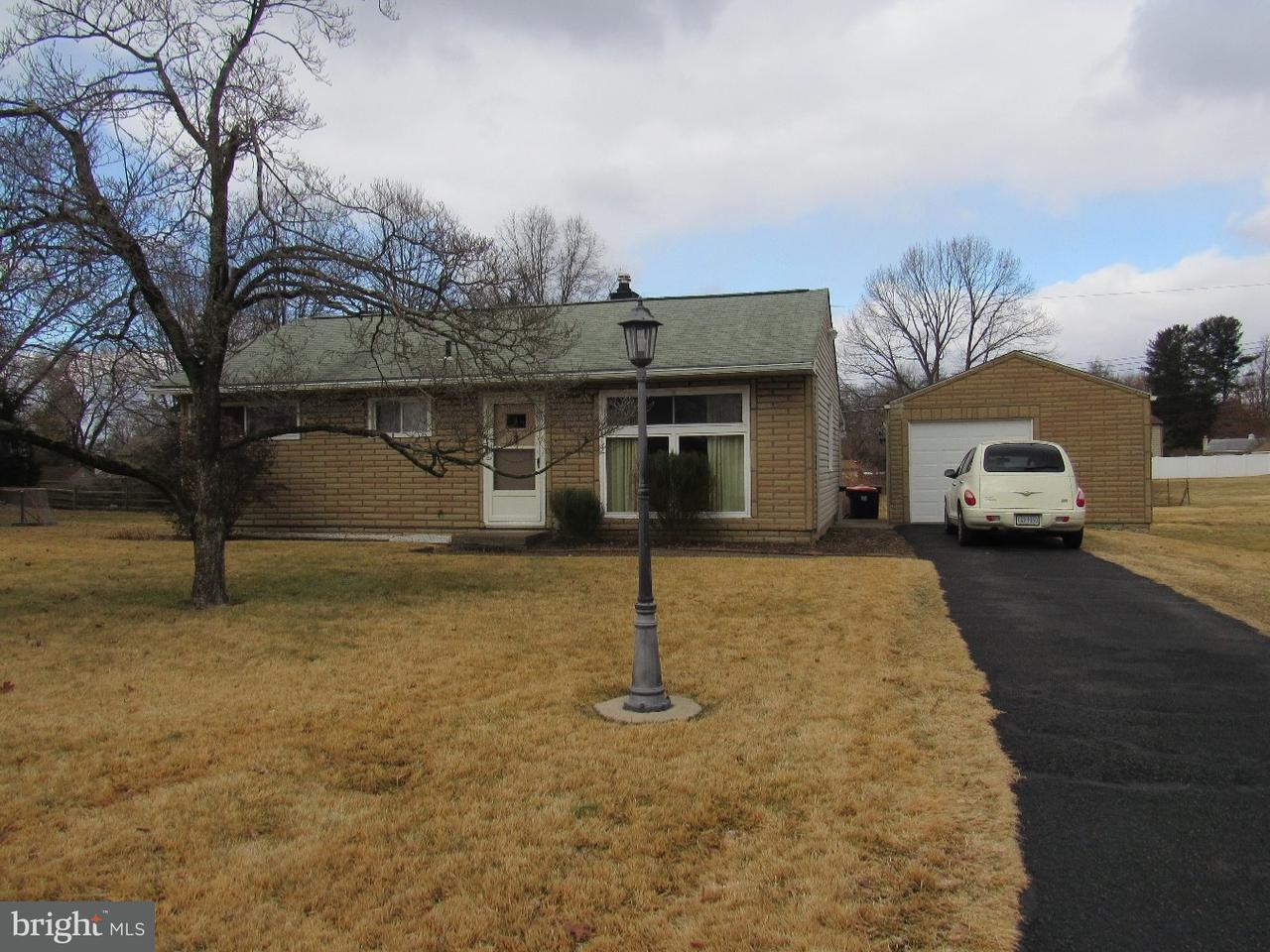 Casa para uma família para Venda às 81 OAK Drive New Britain, Pensilvânia 18901 Estados Unidos